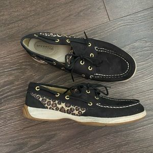 Sperry leopard 🐆 loafers